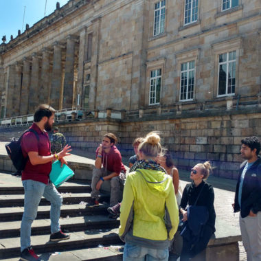 Heroes Tour - Best walking tour in Bogota